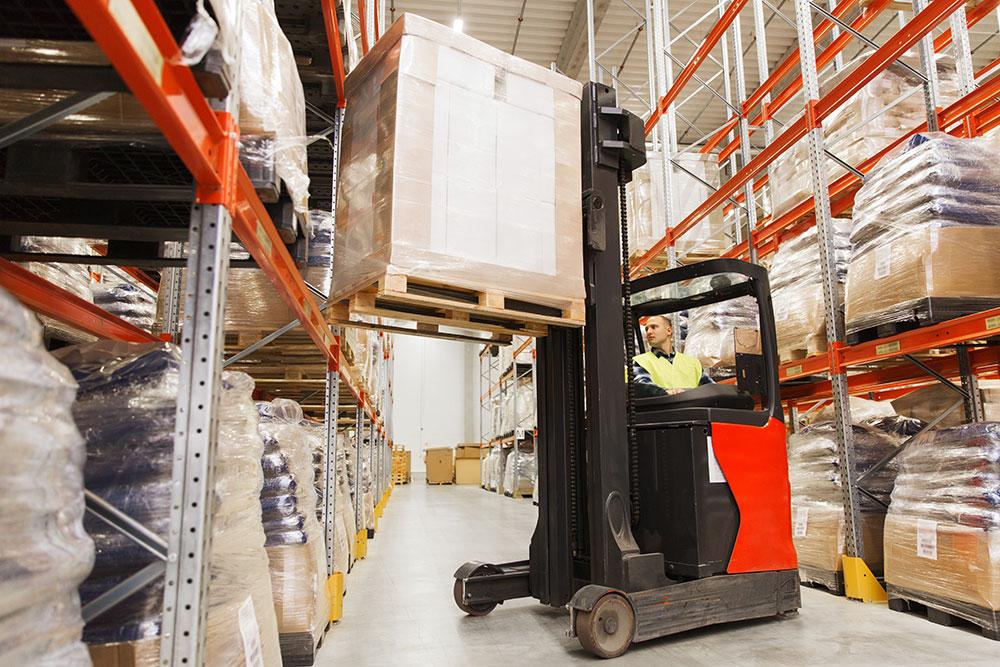 bigstock-wholesale-logistic-loading-122067464.jpg